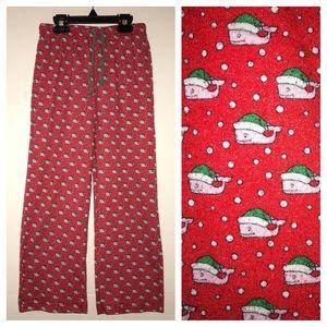 Vineyard Vines lounge pants, red Christmas theme